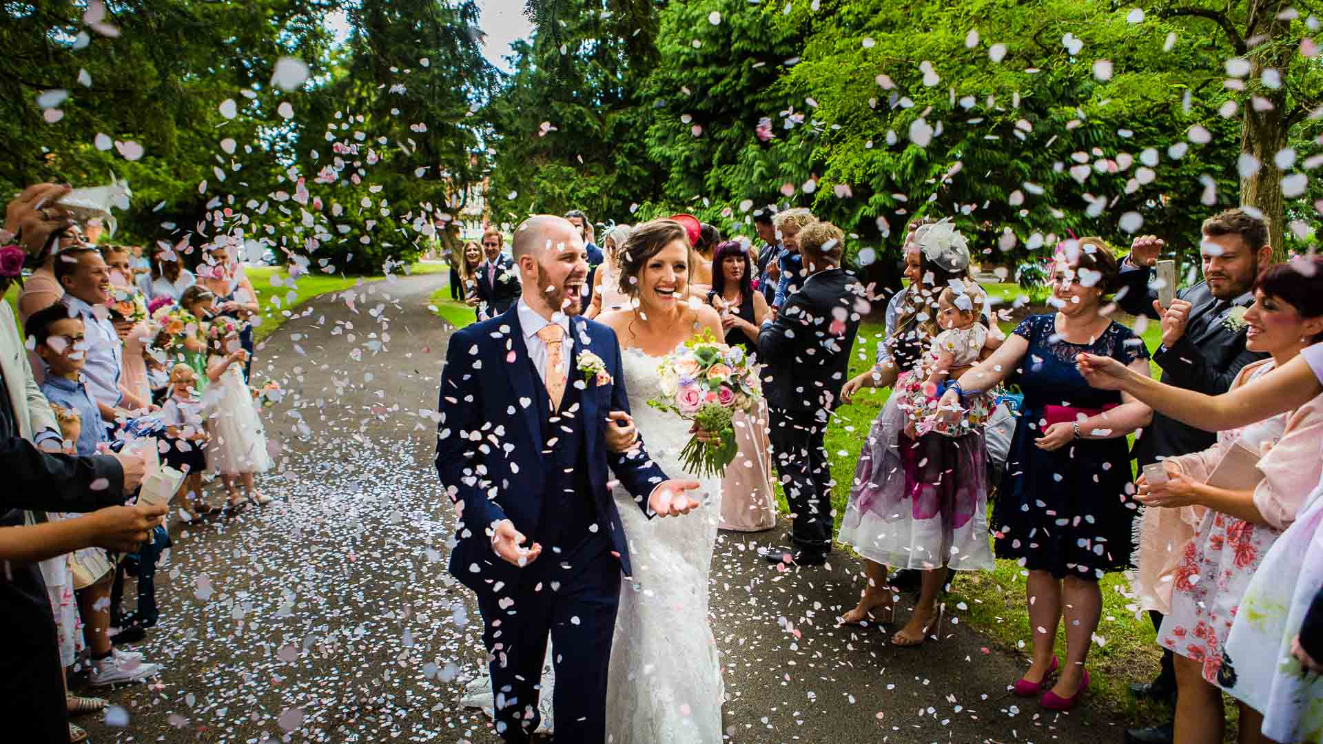 cardiff-wedding-photographer_confetti